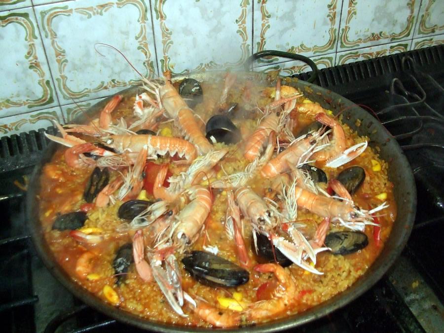 Paella de mariscos (Cocina Española)