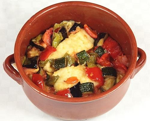 Bacalao con samfaina (Cocina catalana – España)