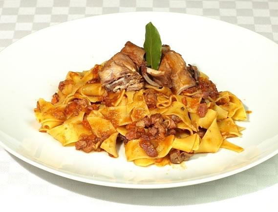 Pasta con conejo (Cocina Italiana)