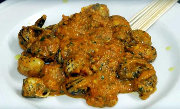 Caracoles en salsa con parmesano (Cocina italiana)