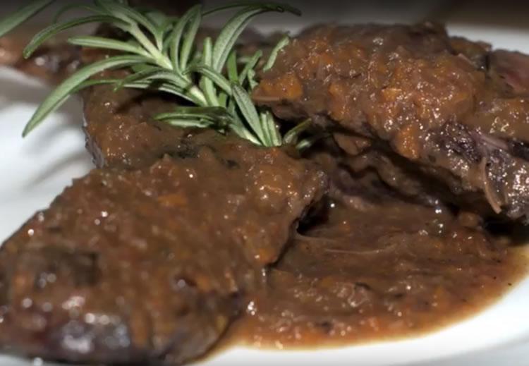 Conejo en salmi (Cocina italiana)
