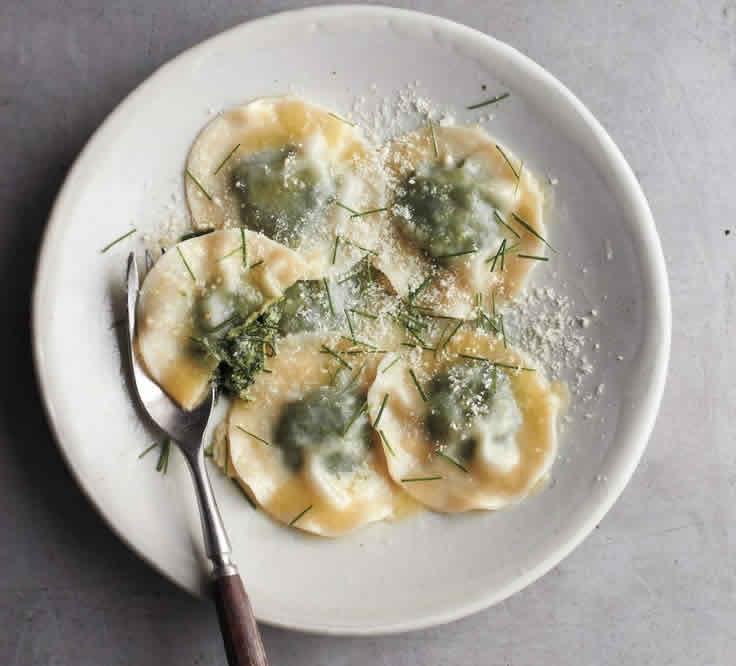 Ravioli de verduras primaverales (Cocina italiana)
